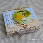 rocno-delo-unikat-voscilnica-knjiga-posebna-cestitka-birma-fant-soncni-zarki-golobica-oljcna-vejica-narava-stranska