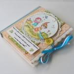 rocno-delo-unikat-voscilnica-knjiga-posebna-cestitka-otroška-palcek-cvetlice-vrt-sreca-pavcek
