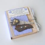 rocno-delo-unikat-voscilnica-knjiga-posebna-cestitka-porocna-sopek-sivka-vrtnice-metulja-swarovski-sreca-pavcek-prva-stran