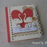 rocno-delo-unikat-voscilnica-knjiga-posebna-cestitka-poroka-rdeca-bela-laboda-swarovski-srce-vrtnice