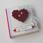 rocno-delo-unikat-voscilnica-knjiga-posebna-cestitka-poroka-rdeca-bela-vrtnice-swarovski-metuljcka-cipka