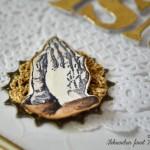 rocno-delo-unikat-voscilnica-knjiga-posebna-sveto-pismo-obhajilo-birma-roke-v-molitvi-kvačka