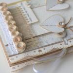rocno-delo-unikat-voscilnica-posebna-knjiga-darilo-poroka-eleganca-metuljcka-pavcek-swarovski-vrtnice-ograja-zavezovanje