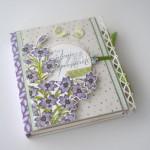 rocno-delo-unikat-voscilnica-posebna-knjiga-darilo-rojstni-dan-zivljenje-praznovati-lilije-vijolicne-metuljcki