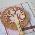 rocno-delo-unikat-voscilnica-posebna-knjiga-darilo-valentinovo-ljubezen-drevo-srcki-detajl1