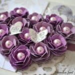 rocno-delo-unikat-voscilnica-posebna-knjiga-poroka-srce-iz-vrtnic-vrtnice-vijolična-bela-detajl