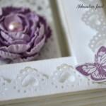 rocno-delo-unikat-voscilnica-posebna-knjiga-poroka-srce-iz-vrtnic-vrtnice-vijolična-bela-detajl-notranjost