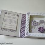 rocno-delo-unikat-voscilnica-posebna-knjiga-poroka-srce-iz-vrtnic-vrtnice-vijolična-bela-notranjost