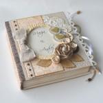 rocno-delo-unikat-voscilnica-posebna-knjiga-poroka-vrtnica-cipka-srcek
