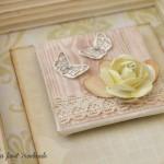 rocno-delo-unikat-voscilnica-posebna-knjiga-poroka-vrtnice-metuljcki-srcki-ljubezen-magnetek