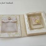 rocno-delo-unikat-voscilnica-posebna-knjiga-poroka-vrtnice-metuljcki-srcki-ljubezen-notranjost
