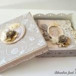 rocno-delo-voscilnica-knjiga-porocna-vintage-vrtnice-ljubezen-srcki-cipka-škatlica