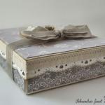 rocno-delo-voscilnica-knjiga-porocna-vintage-vrtnice-ljubezen-srcki-cipka-darilna-škatla2