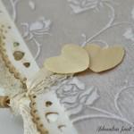 rocno-delo-voscilnica-knjiga-porocna-vintage-vrtnice-ljubezen-srcki-cipka-detajl3