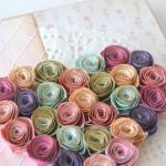rocno-delo-unikat-darilo-belezka-rokovnik-vrtnice-mavrica-pomlad-detajl-srce