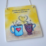 rocno-delo-unikat-darilo-obesanka-vroca-cokolada-skodelici-prezene-tezave