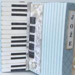 rocno-delo-unikat-voscilnica-posebna-darilna-škatla-denarno-darilo-harmonika-detajl-klaviatura