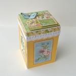 rocno-delo-unikat-voscilnica-darilo-skatlica-presenecenja-posebna-vodnjak-zelja-ptice-metulji-vrt-cvetlice