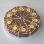rocno-delo-unikat-skatlica-tortica-cebelica-rumena-cela