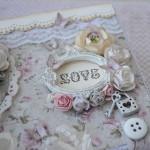 rocno-delo-unikat-darilna-skatlica-kovcek-shabby-chic-ljubezen-pariz-romantika-vrtnice-metuljcki-detajl2