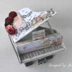 rocno-delo-unikat-voscilnica-cestitka-darilna-skatlica-klavir-koncertni-grand-piano-vrtnice-cipka-shabby-chic-3