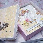 rocno-delo-unikat-darilo-voščilnica-knjiga-obhajilo-deklica-precious-križ-3