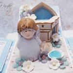 rocno-delo-unikat-voščilnica-škatlica-presenečenja-krst-fantek-krstilnica-angel-sinje-modra-4