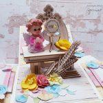 rocno-delo-unikat-voščilnica-škatlica-presenečenja-obhajilo-deklica-pisana-angel-oltar-cvetje-kelih-križ-4