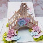 rocno-delo-unikat-voščilnica-škatlica-presenečenja-poroka-bež-roza-modra-elegantna-potonke-mladoporočenca-most-4